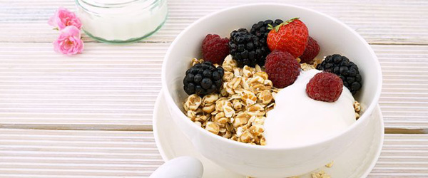 Granola and yogurt brunch