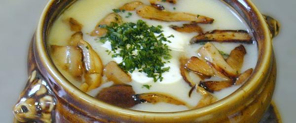 What wine shoud I pair with mushroom soup?