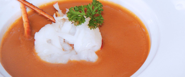 What wine goes with lobster bisque?